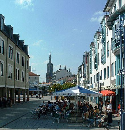 Blick über den Petrusplatz Neu-Ulm