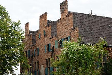 Duisburg-Duissern-Dreigiebelhaus-02