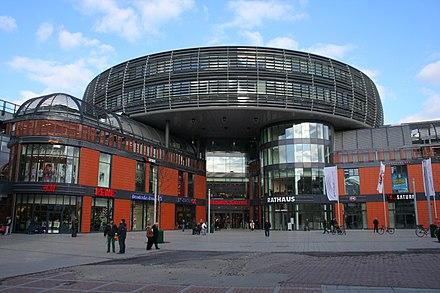 Leverkusen - Rathaus und Rathaus-Galerie