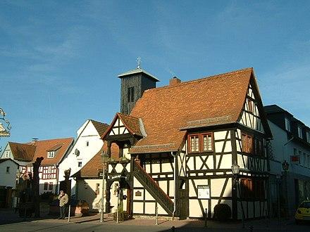 Schwalbach - altes Fachwerkrathaus