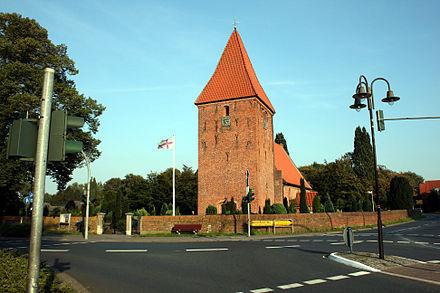 Stuhr - Backsteinkirche aus dem 13. Jahrhundert