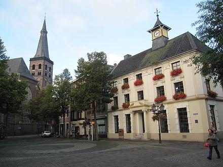 Tönisvorst-Rathausplatz